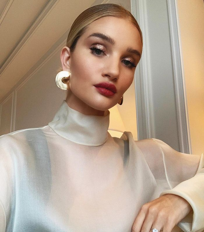Rosie Huntington-Whiteley beauty looks