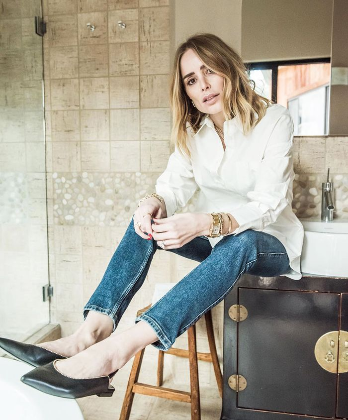 Jeans and flats outfit with white shirt