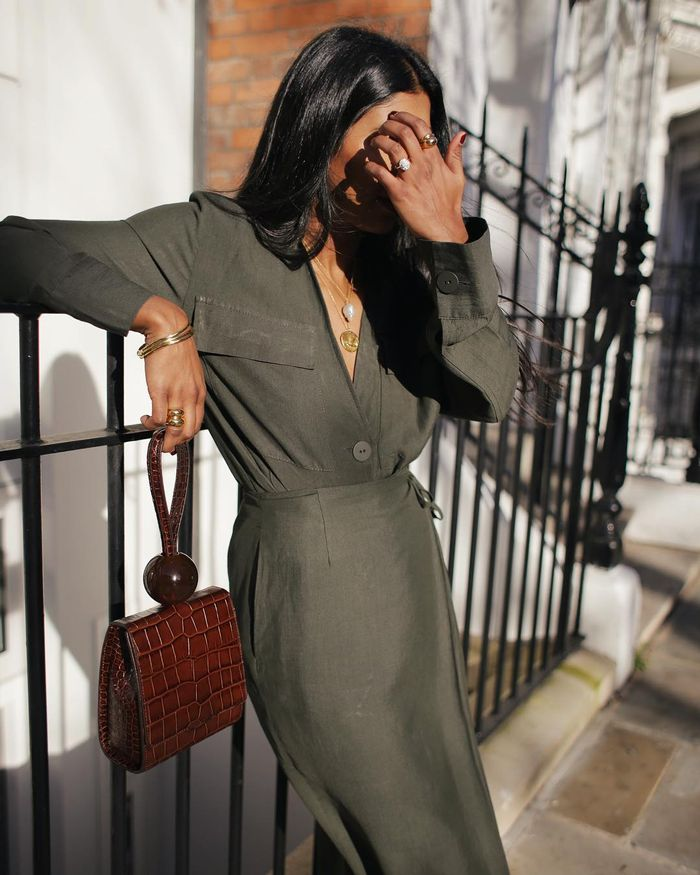 Chic Colour Combinations: Monkih Dale in khaki and cognac
