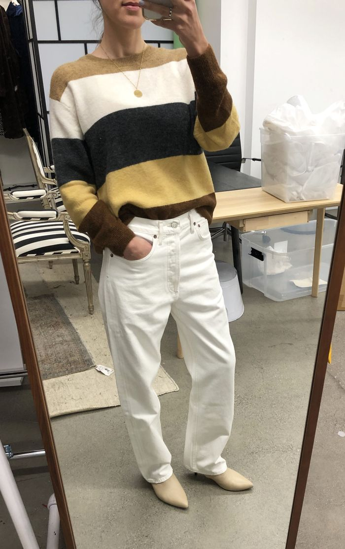 Loose Fit Jeans Are Now Trending