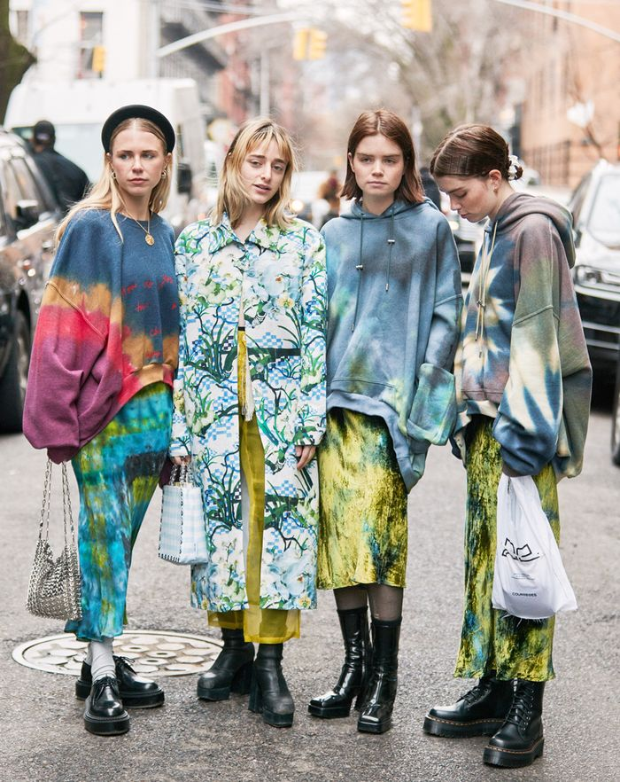 Tie-dye street style