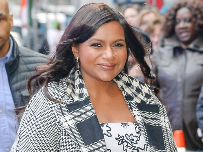 These 9 Mindy Kaling Outfits Are Insanely Stylish Who What Wear