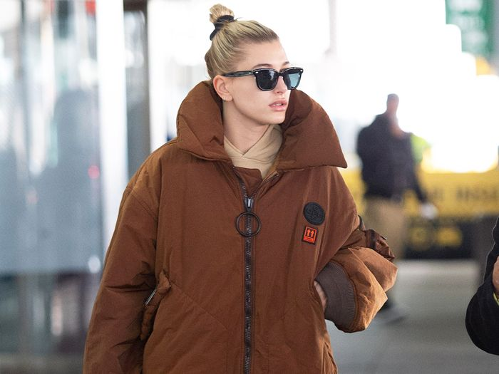 "Hailey Bieber's ""Boring"" Airport Outfit Is So 2019"