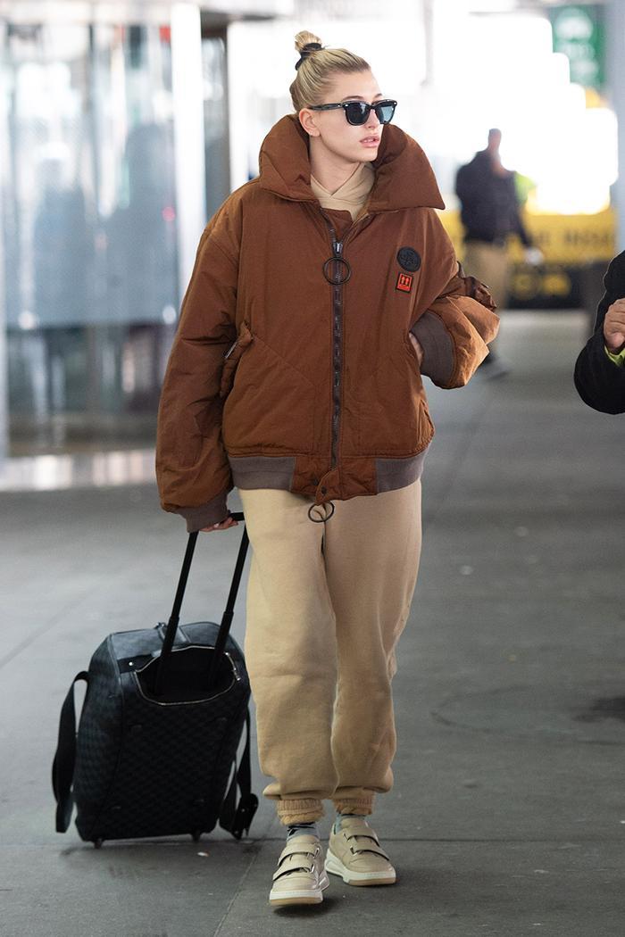 Hailey Bieber airport style