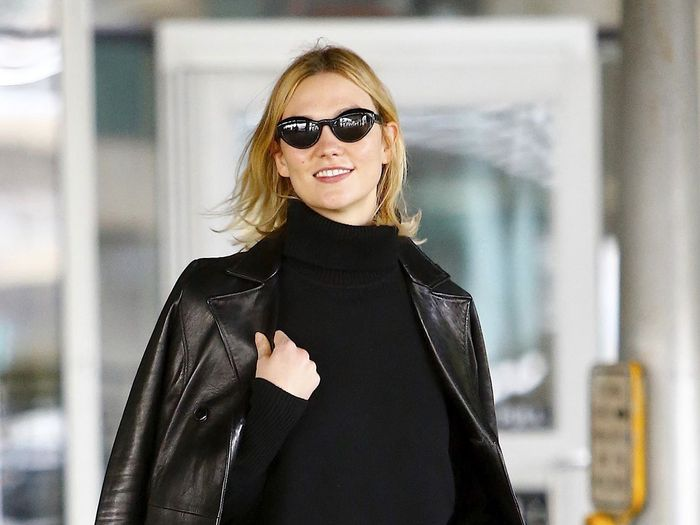 Karlie Kloss Wore Skinny Jeans and Flats to the Airport in the Most 2019 Way
