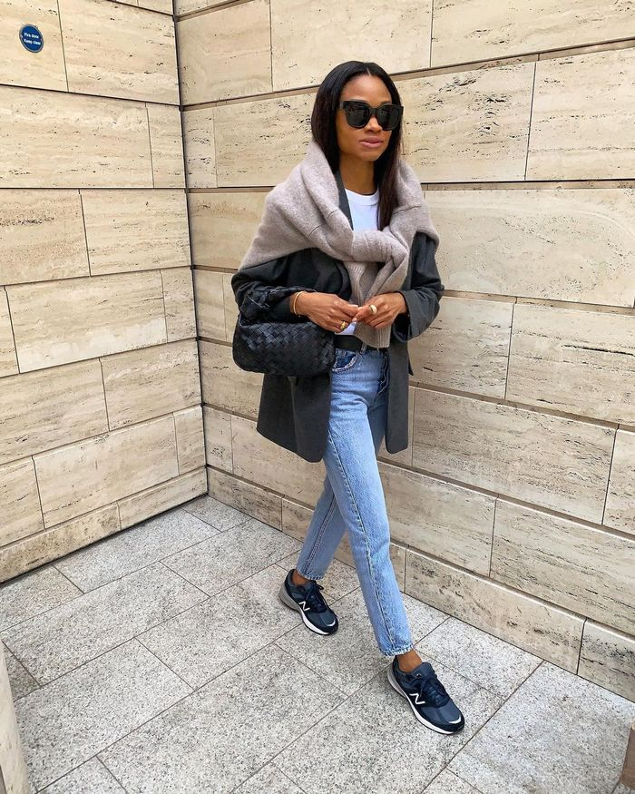 How to wear a blazer and jeans