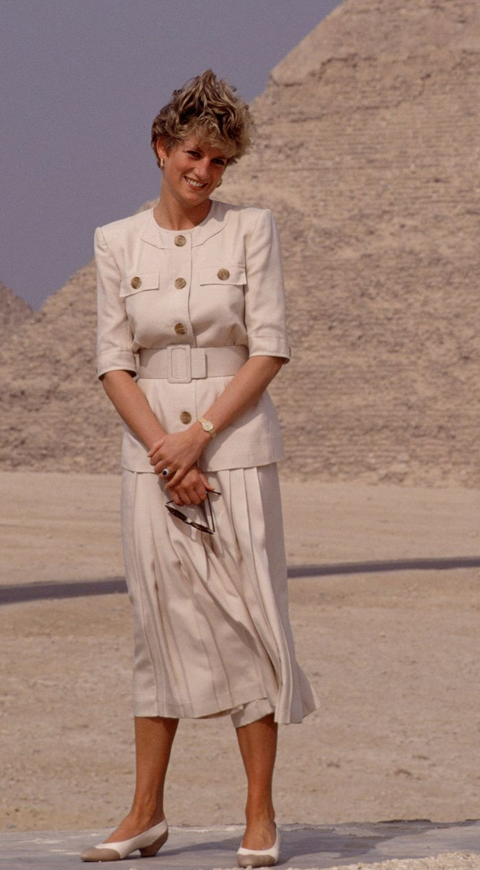 Royal family fashion colours: beige Princess Diana