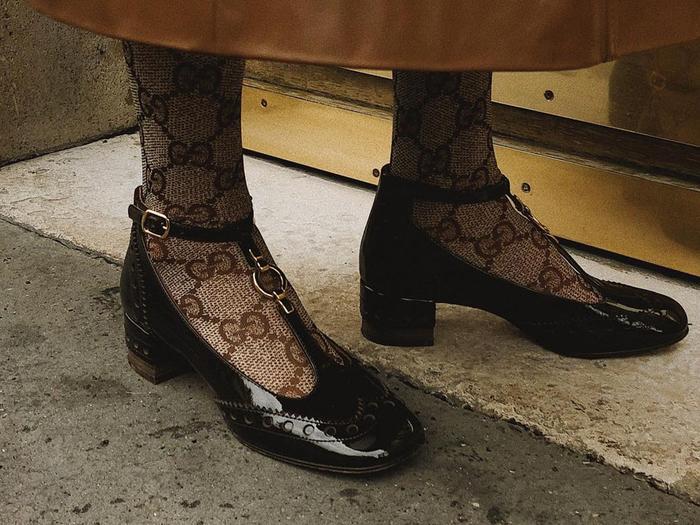 low block heel black pumps