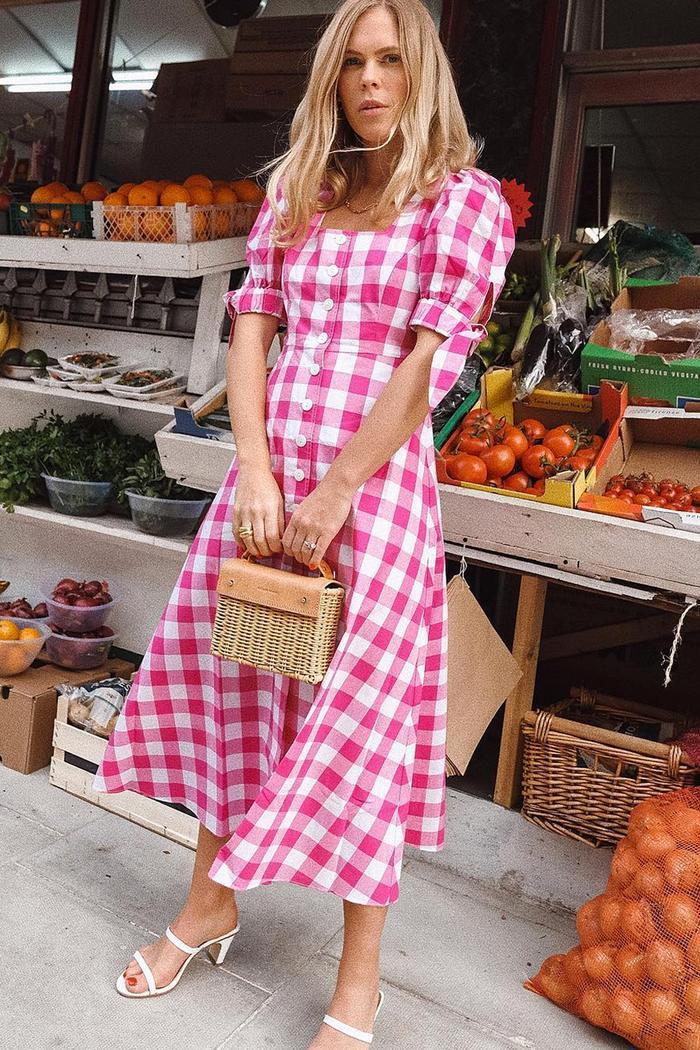 Puff sleeve dresses trend: Jessie Bush