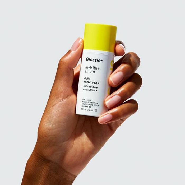 Glossier Invisible Shield Daily Sunscreen SPF 35