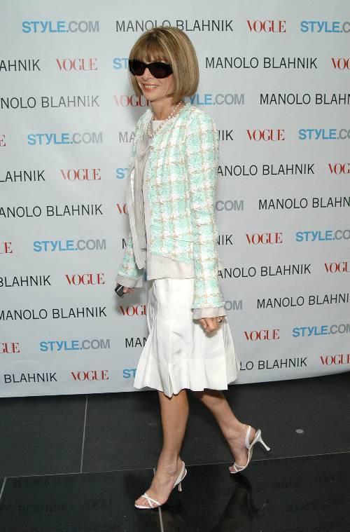 Anna Wintour in Her Favorite Manolo Blahniks
