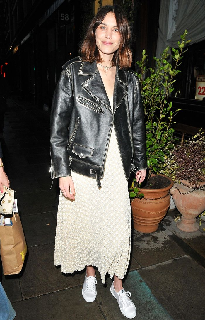 Alexa Chung sneaker outfit