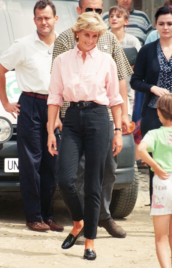 Celebrities Jeans Shirts Vintage: Princess Diana in a pink shirt and dark jeans