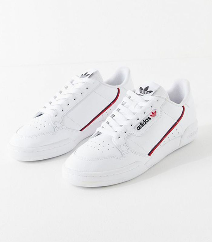 White Sneakers to Wear With Jeans