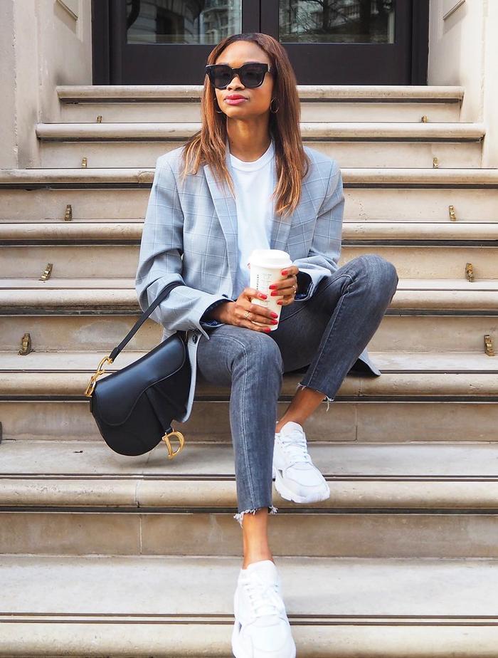 Boring Fashion Trends: @symphonyofsilk in an oversized blazer