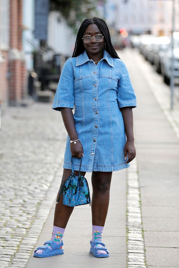 Best Sporty Chunky Sandals: Lois Opoku wearing chunky Sandals