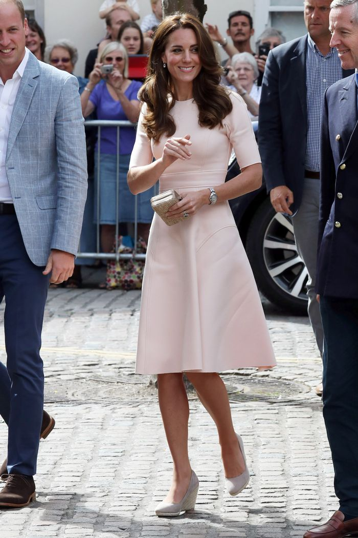 5 of kate middleton s most controversial outfits ranked who what wear https www whowhatwear com kate middleton controversial fashion