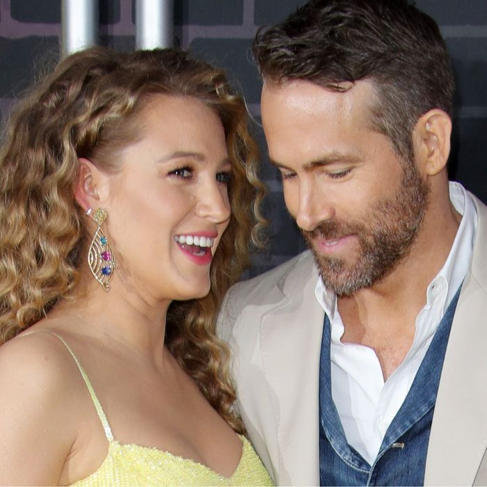 Blake Lively Debuts Her Baby Bump With the Chicest Red Carpet Look