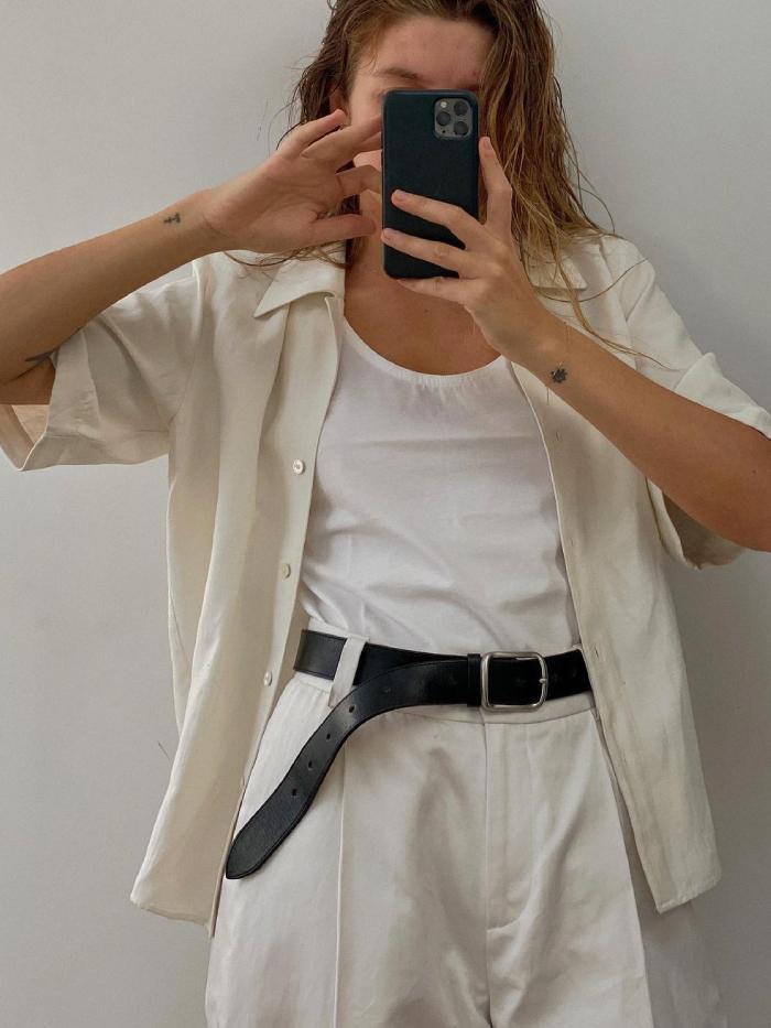 linen fashion trend: brittany bathgate wearing a linen shirt