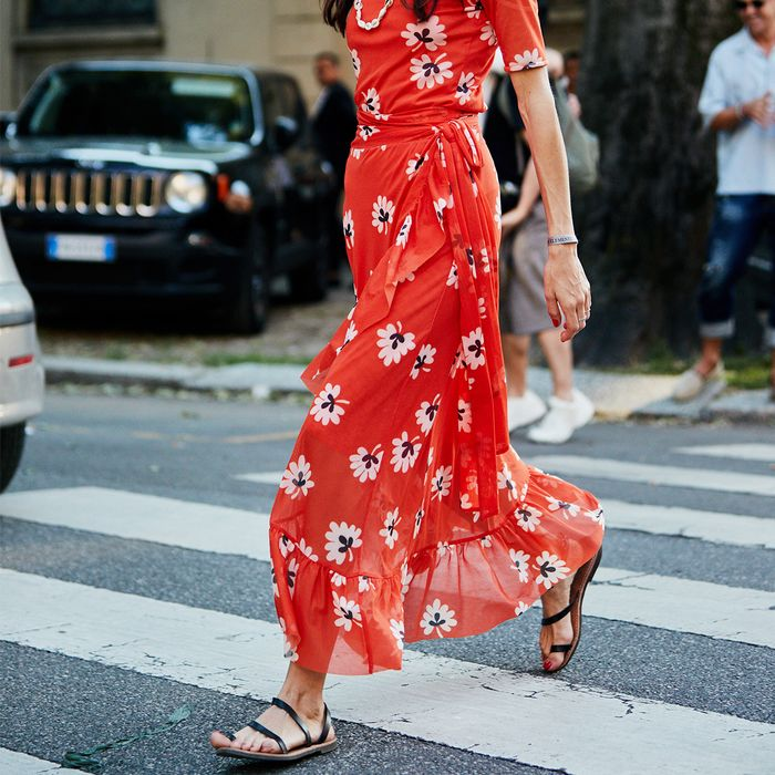 Flat Sandal Outfit Street Style