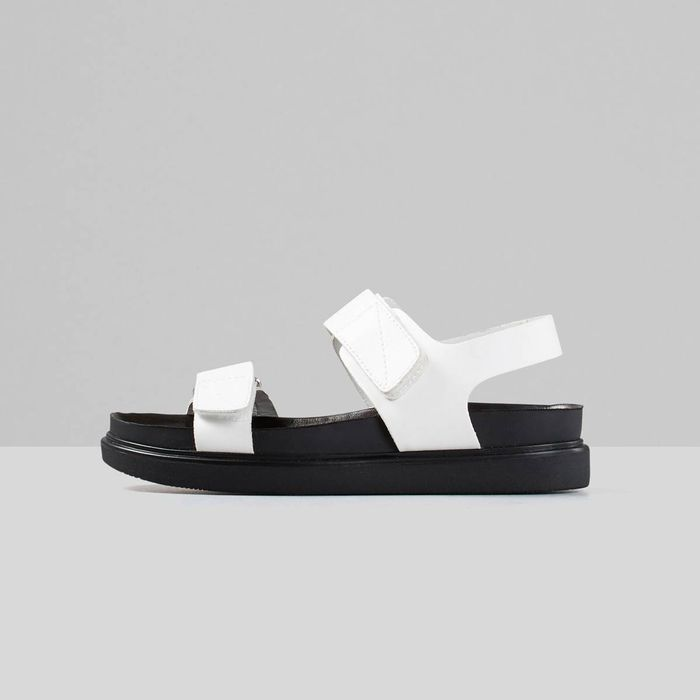 The 4 Types of Sandals That Are