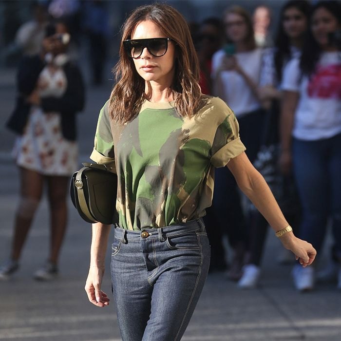 9 T-Shirt–and-Jeans Outfit Formulas Over-40 Women Swear By