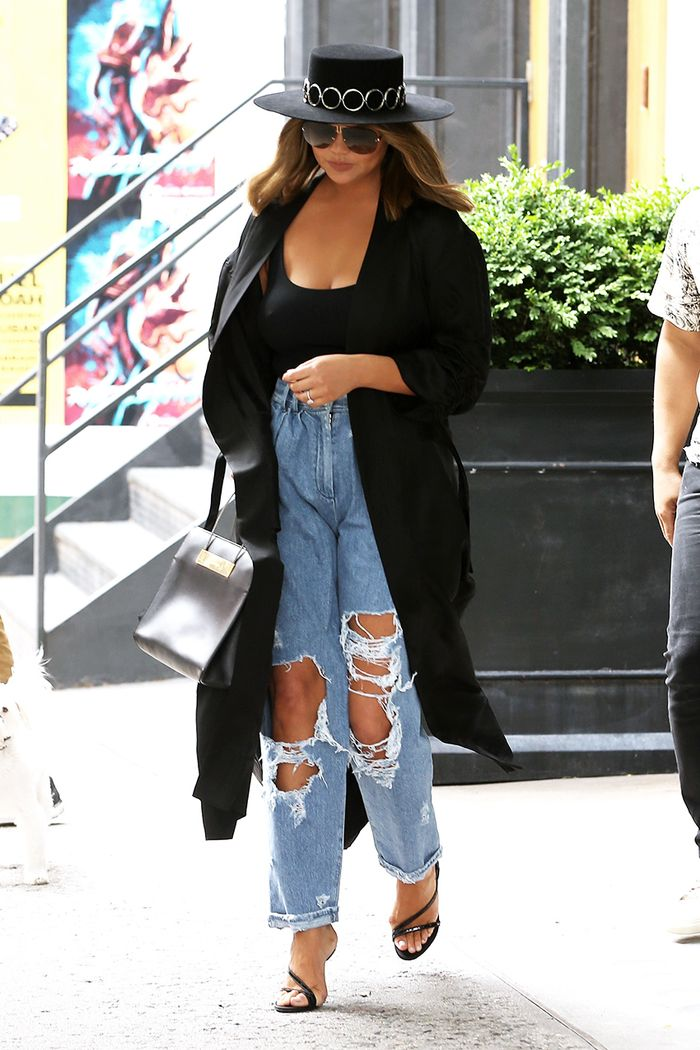 Chrissy Teigen pleated jeans