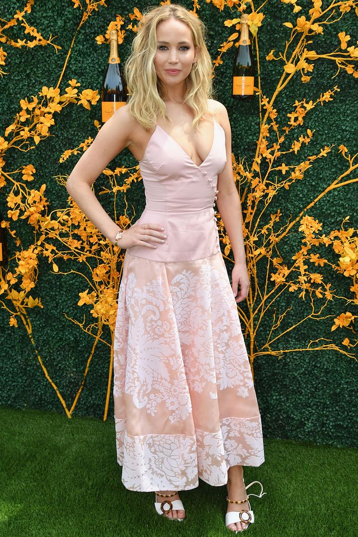 veuve clicquot polo classic outfits 2019: jennifer lawrence