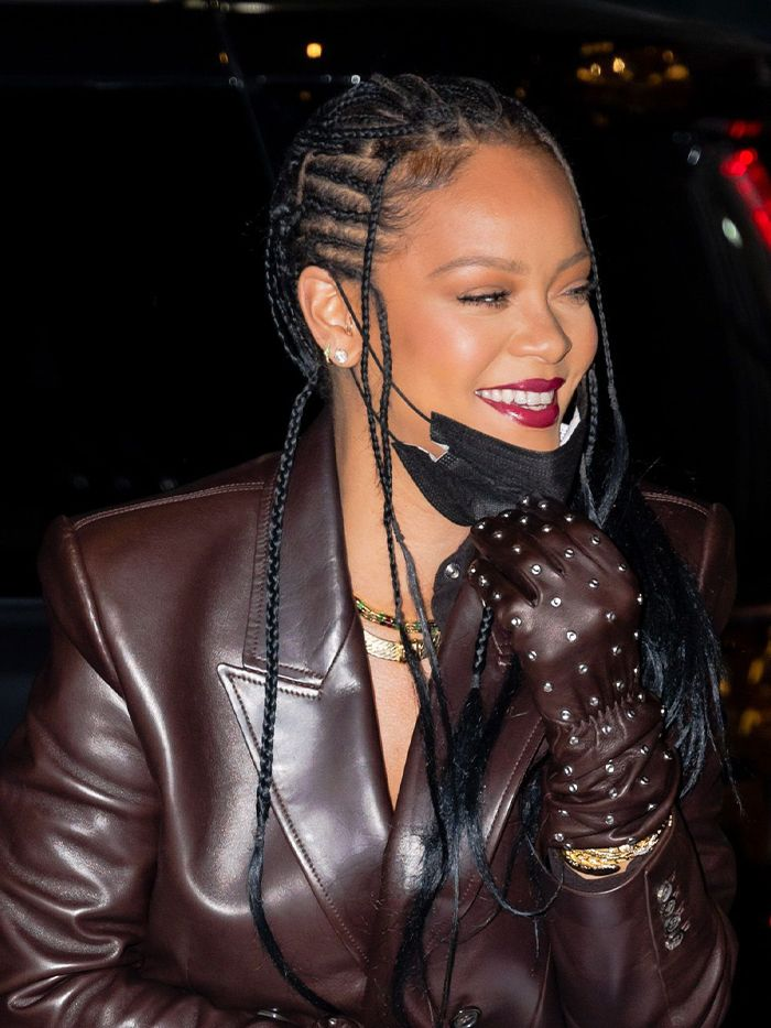 Whoa, Rihanna Just Debuted Her Shortest Haircut Yet