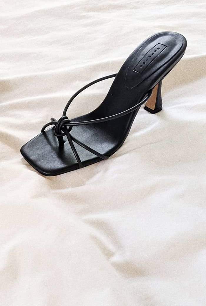 Topshop black knot sandals: black strappy heel sandals