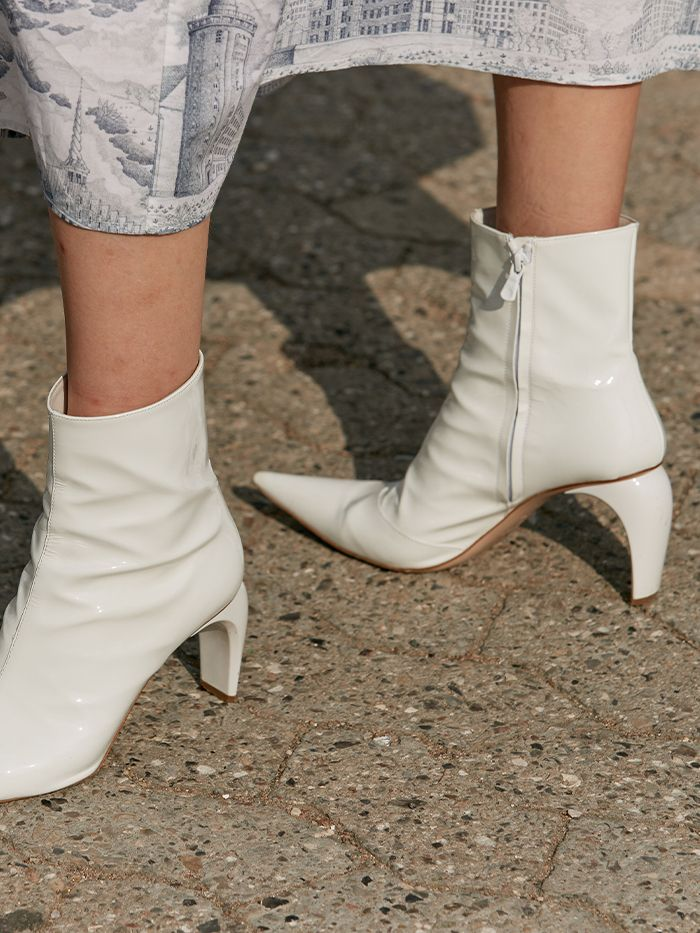 The 7 Best Shoe Styles for High Arches