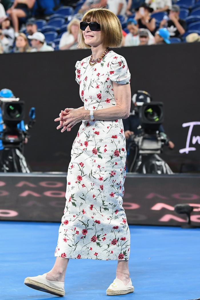 castañer espadrilles: Anna Wintour wearing espadrilles