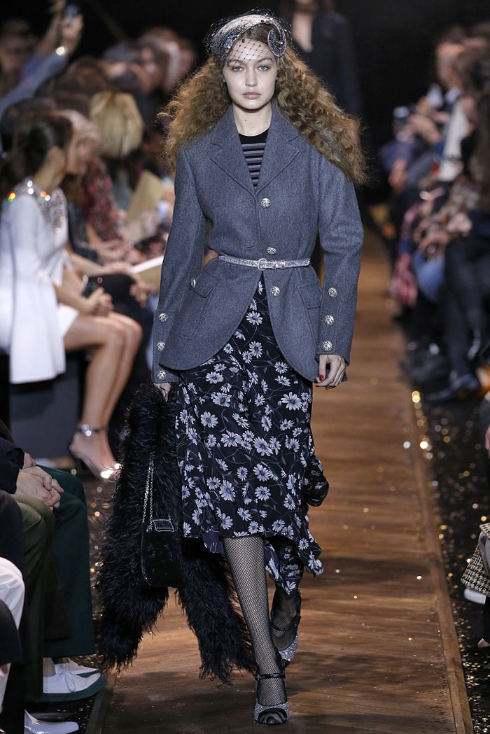 Chic belt outfits at the Michael Kors Fall 2019 runway show