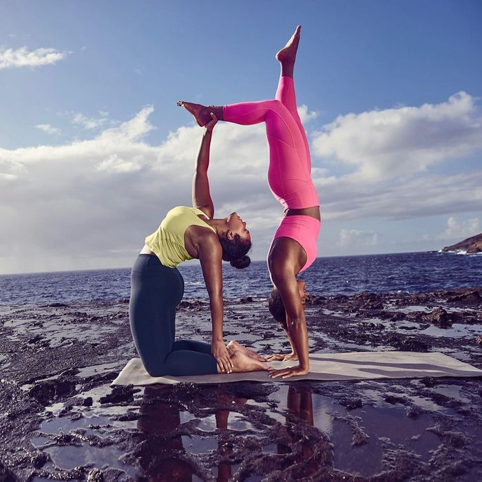 Best Yoga Clothing Brands: Athleta