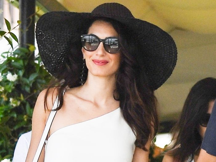 Amal Clooney Wore the 3 Basics You Need for Every Vacation