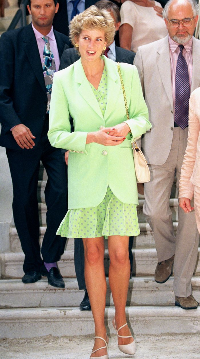 15 Princess Diana Outfits That Look So Timeless Who What Wear