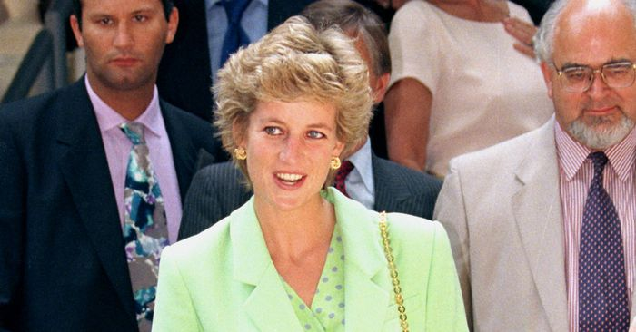 15 Lesser-Known Princess Diana Outfits I Never Cared About Till Now