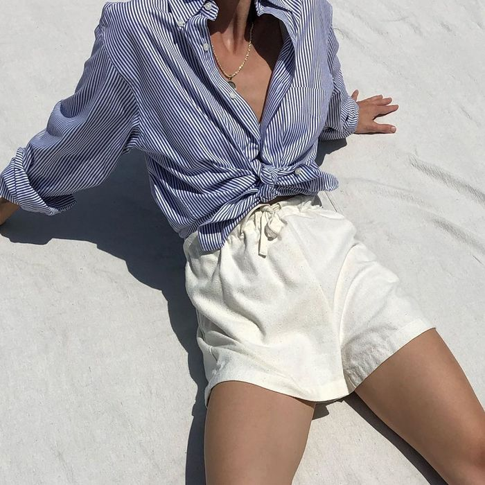 Pinterest Summer Outfits: Loose-fitted shorts and a tie-up shirt