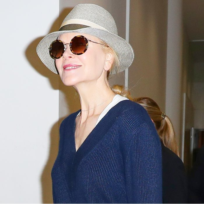 Nicole Kidman's Airport Outfit Will Convince You to Never Travel in Skinny Jeans
