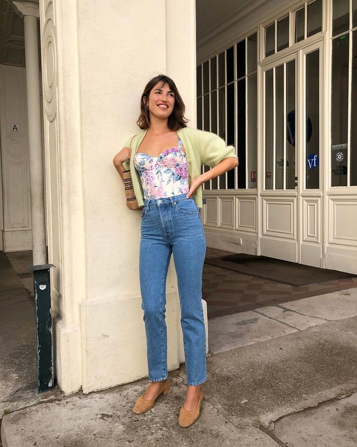 Summer Microtrends 2019: Vintage Floral Top and Jeans Outfit