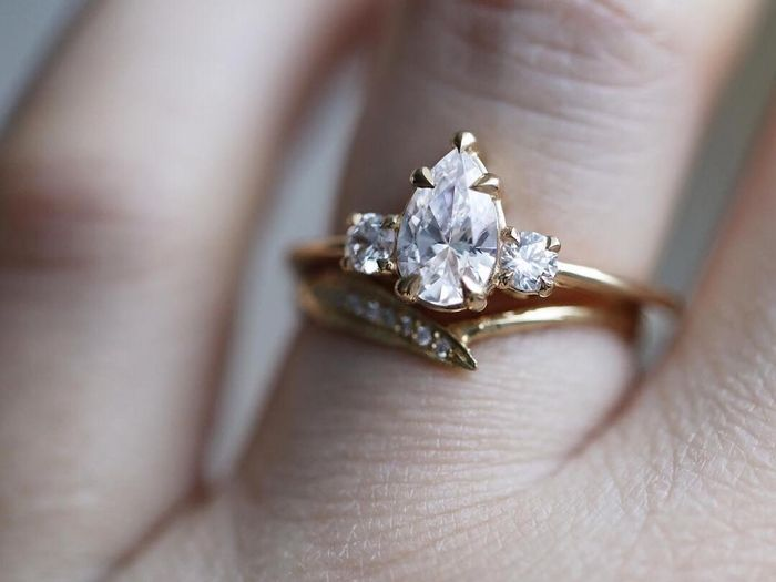 25 Pear-Shaped Engagement Rings for the Unique Bride | Who What Wear