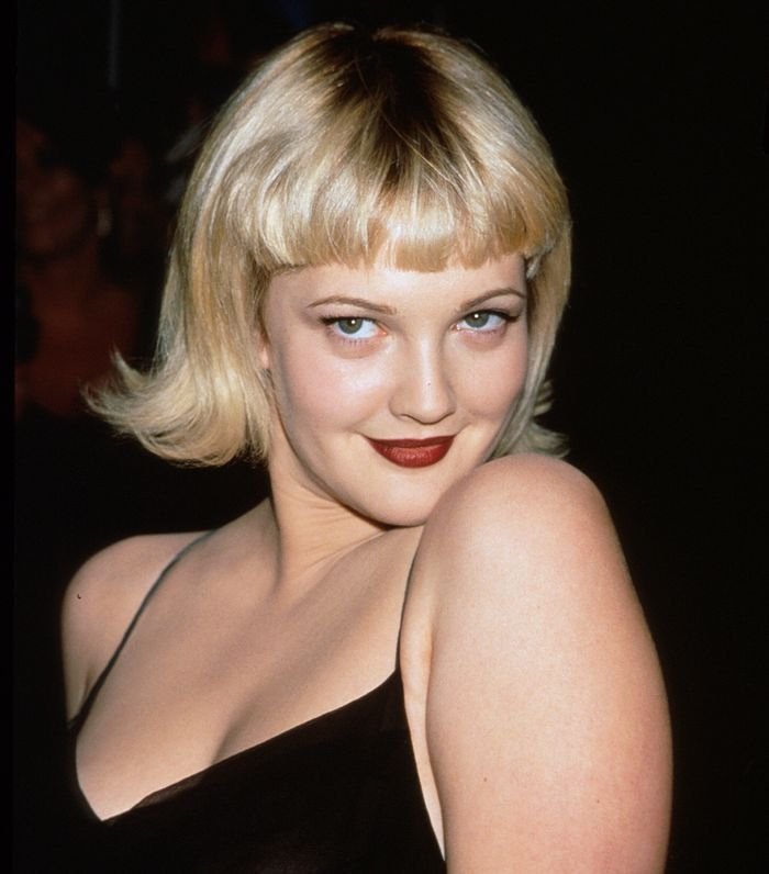 Drew Barrymore Beauty Tips: Drew with blonde bob and micro fringe