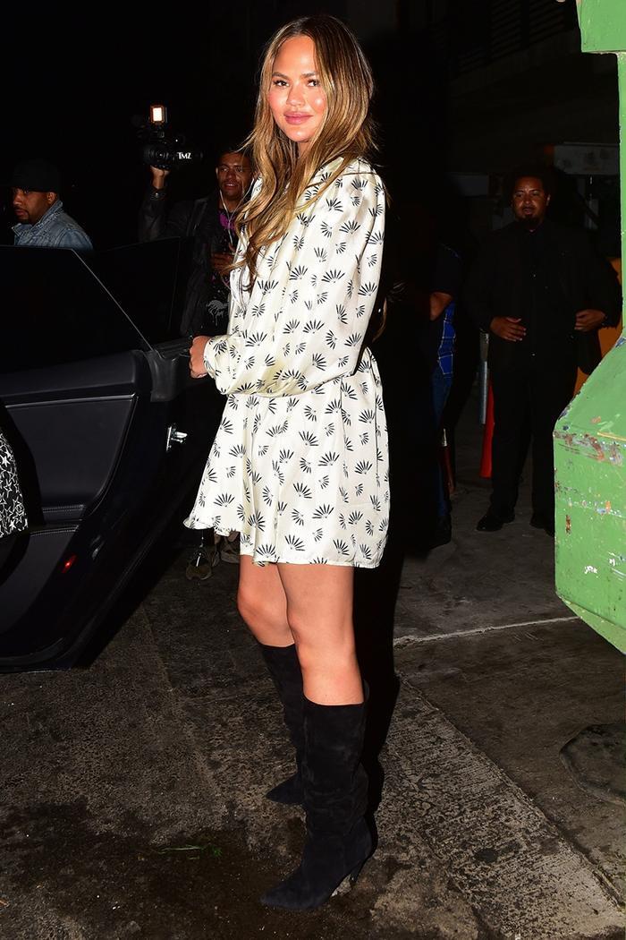 Chrissy Teigen slouch boot trend