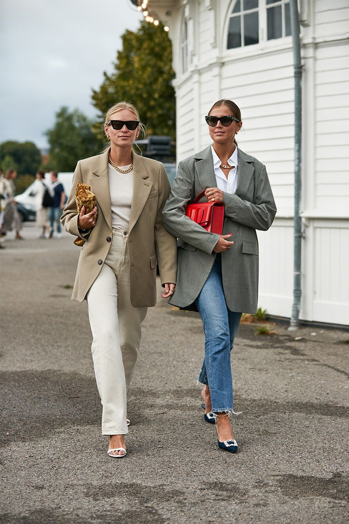 Classic autumn outfits: blazer and jeans in Copenhagen