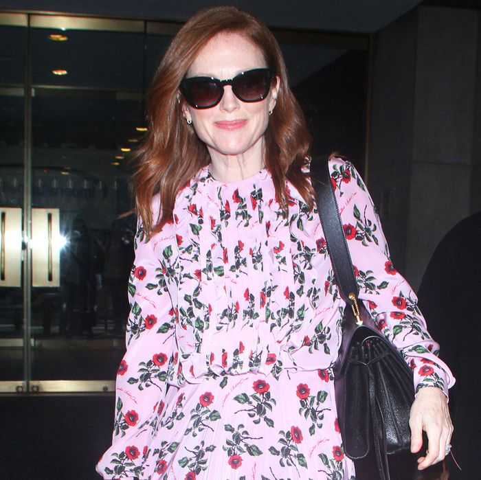 FYI: This Is How to Wear Birkenstocks With a Dress (Thanks, Julianne Moore)