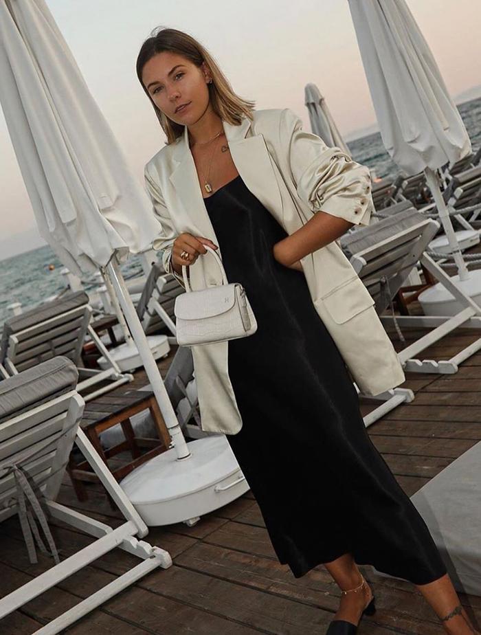Pixie Market UK: @hannahcrosskey wears a Pixie Market blazer