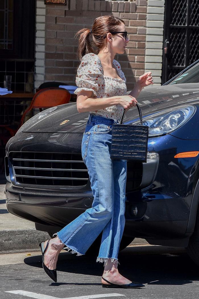 Emma Roberts affordable It bag
