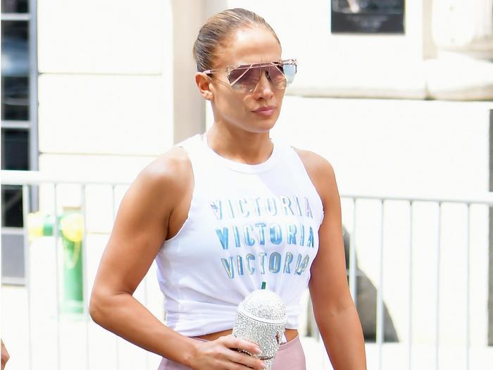 Jennifer Lopez's Sneakers Have Positive Reviews on Amazon