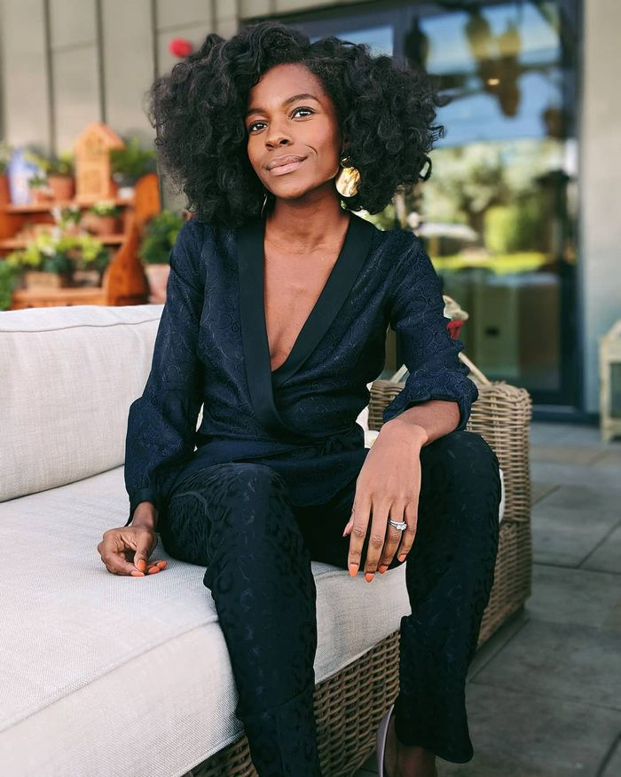 Best-Selling Nude Lipsticks: Freddie Harrel wearing nude lipstick and black suit