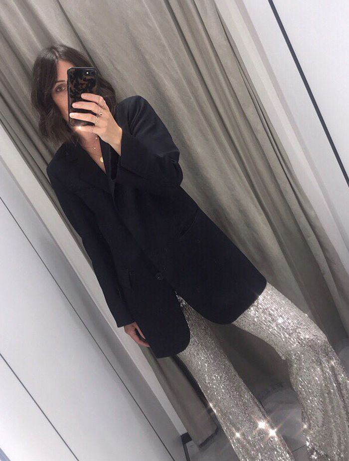 Sequin Trend 2019: @clairewakeman wears a pair of sequin trousers